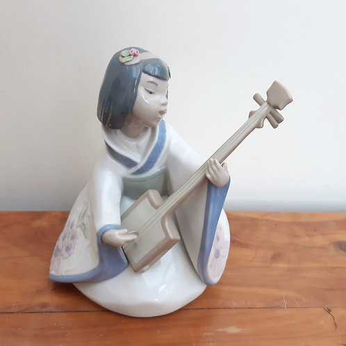 Nao Young Geisha Girl Playing Lute 1271