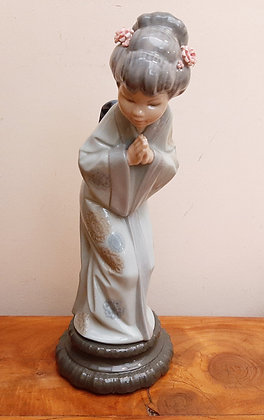 Lladro Japanese Sayonara Figurine 4989