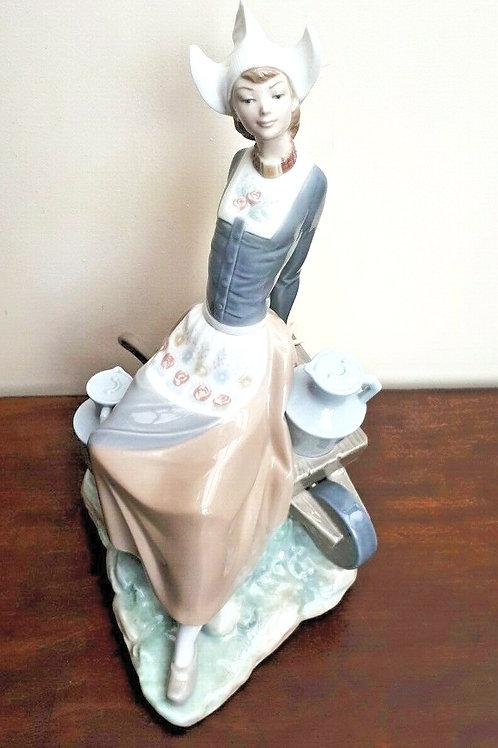 Lladro Dutch Milkmaid 4979 c1971