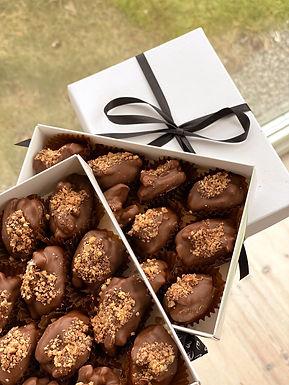 Lush Dates - Cardamom