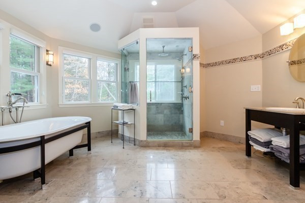 TOP 5 LISTINGS WITH SPA STYLE BATHS