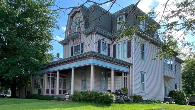TOP 5 HOMES WITH A SPECIAL FLAIR IN LOWER DELAWARE