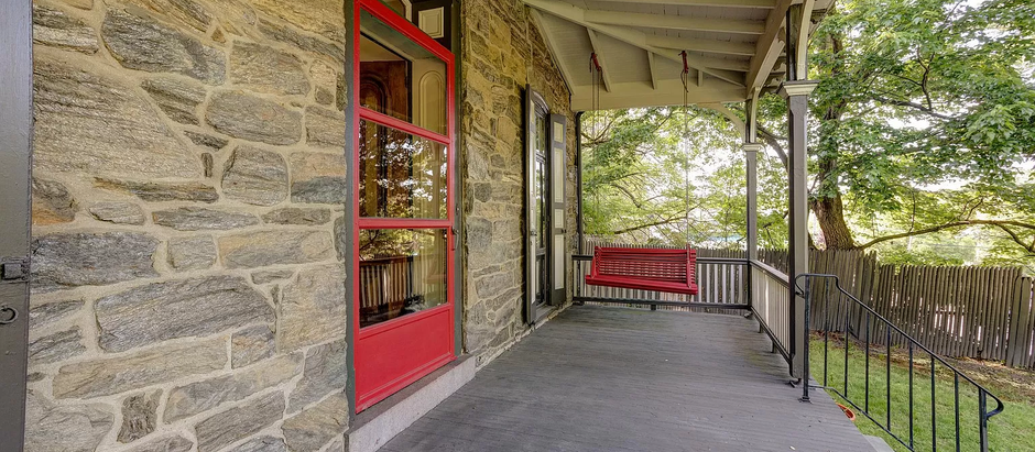 TOP 5 LISTINGS FEATURING A FRONT PORCH