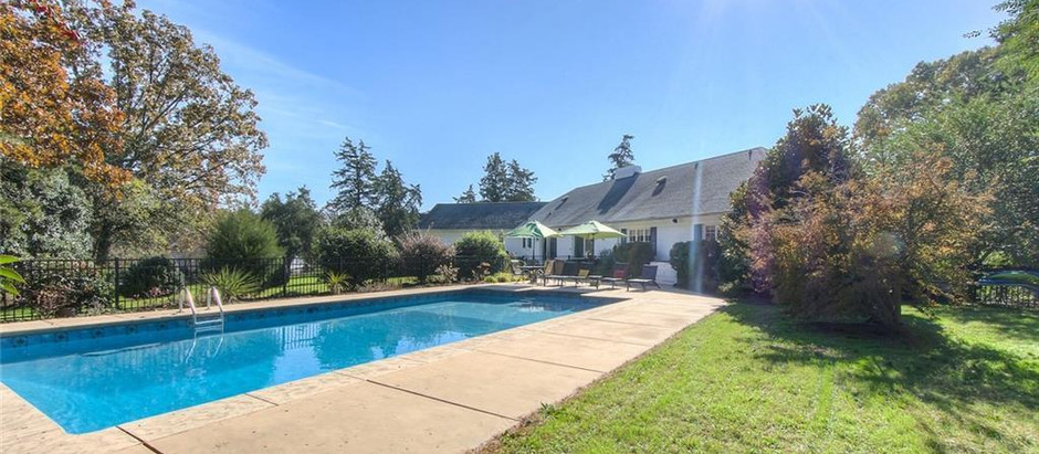 TOP 5 HOMES IN SOUTH CHARLOTTE WITH POOLS