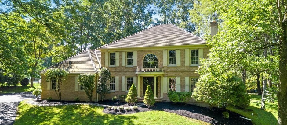 TOP 5 LISTINGS IN NEWTOWN SQUARE