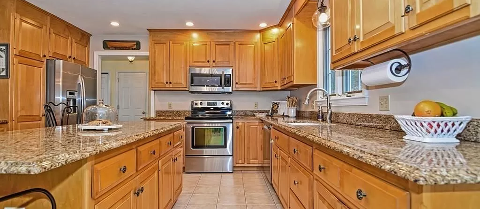 TOP 5 LISTINGS FEATURING CHEF'S KITCHENS