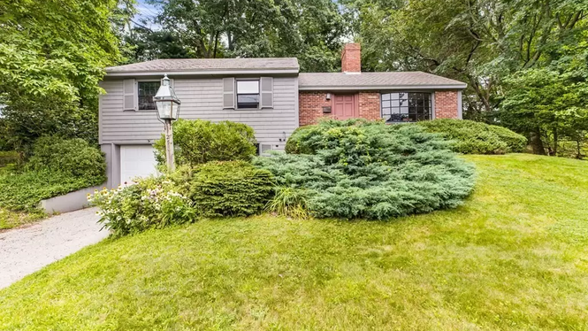 TOP 5 LISTINGS IN COHASSET