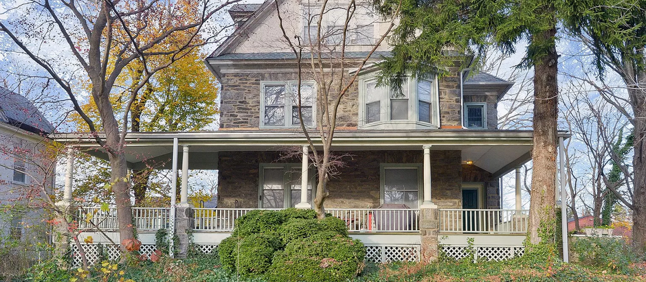 TOP 5 LISTINGS BUILT IN THE 1920S