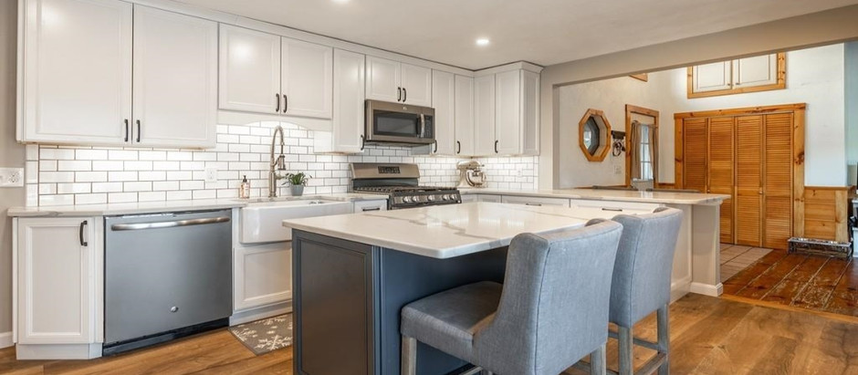 TOP 5 LISTINGS FEATURING RENOVATED KITCHENS