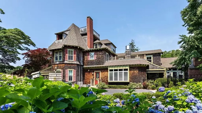 TOP 5 LUXURY HOMES IN BARNSTABLE COUNTY