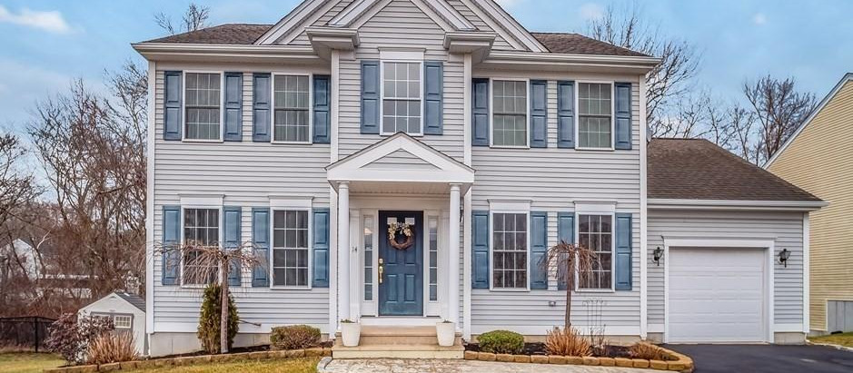 TOP 5 COLONIAL STYLE LISTINGS IN NEW BEDFORD
