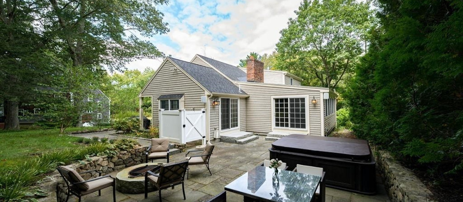 TOP 5 SOUTH SHORE LISTINGS WITH FIRE PITS FOR FALL FIRE