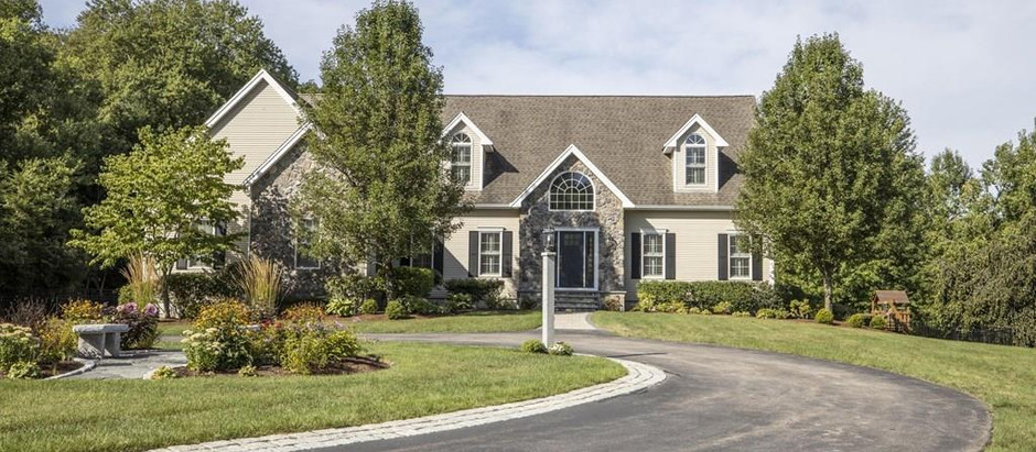 TOP 5 NORFOLK COUNTY LISTINGS WITH GORGEOUS LANDSCAPING & PRIVATE YARDS
