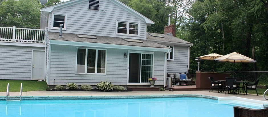 TOP 5 LISTINGS WITH A BACKYARD OASIS