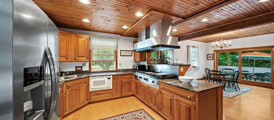 TOP 5 SOUTH SHORE LISTINGS WITH CHEF QUALITY KITCHENS