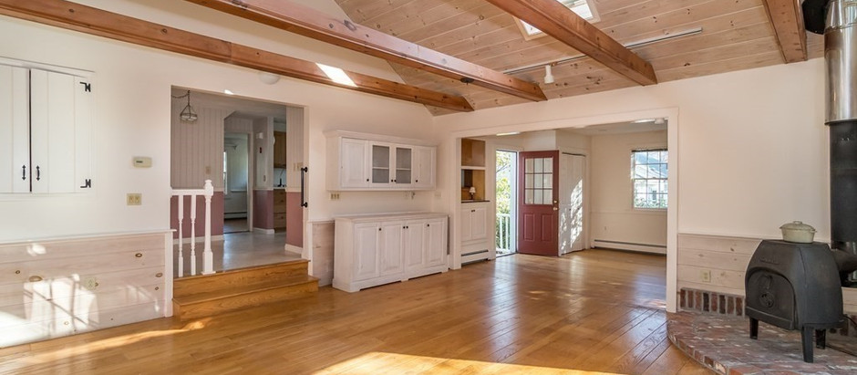 TOP 5 LISTINGS FEATURING SKYLIGHTS