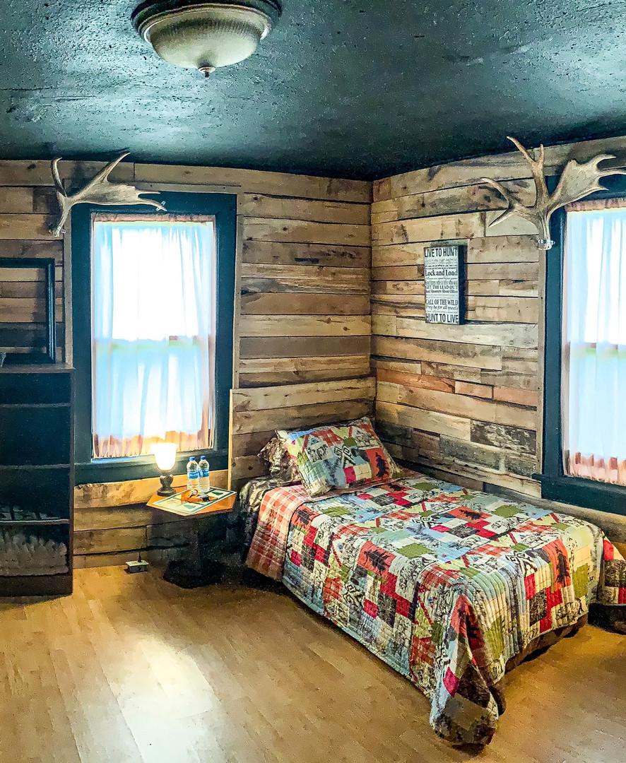 Moose Room 1