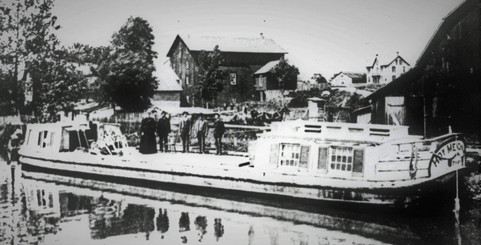 """Canal boat in 1889, the """"Honor Meakam"""""""