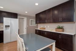 286 Parkdale Ave East Aurora-print-007-10-Kitchen-3000x2004-300dpi