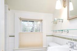 3011 W Blood Rd East Aurora NY-large-014-1-Bathroom-1498x1000-72dpi