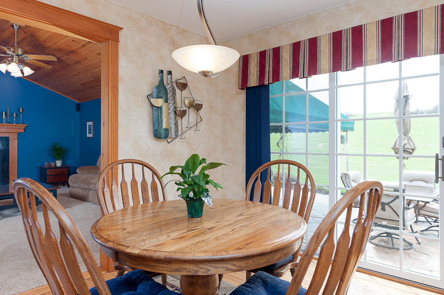 6738 East Creek South Wales NY-large-008-Breakfast Area-1500x999-72dpi
