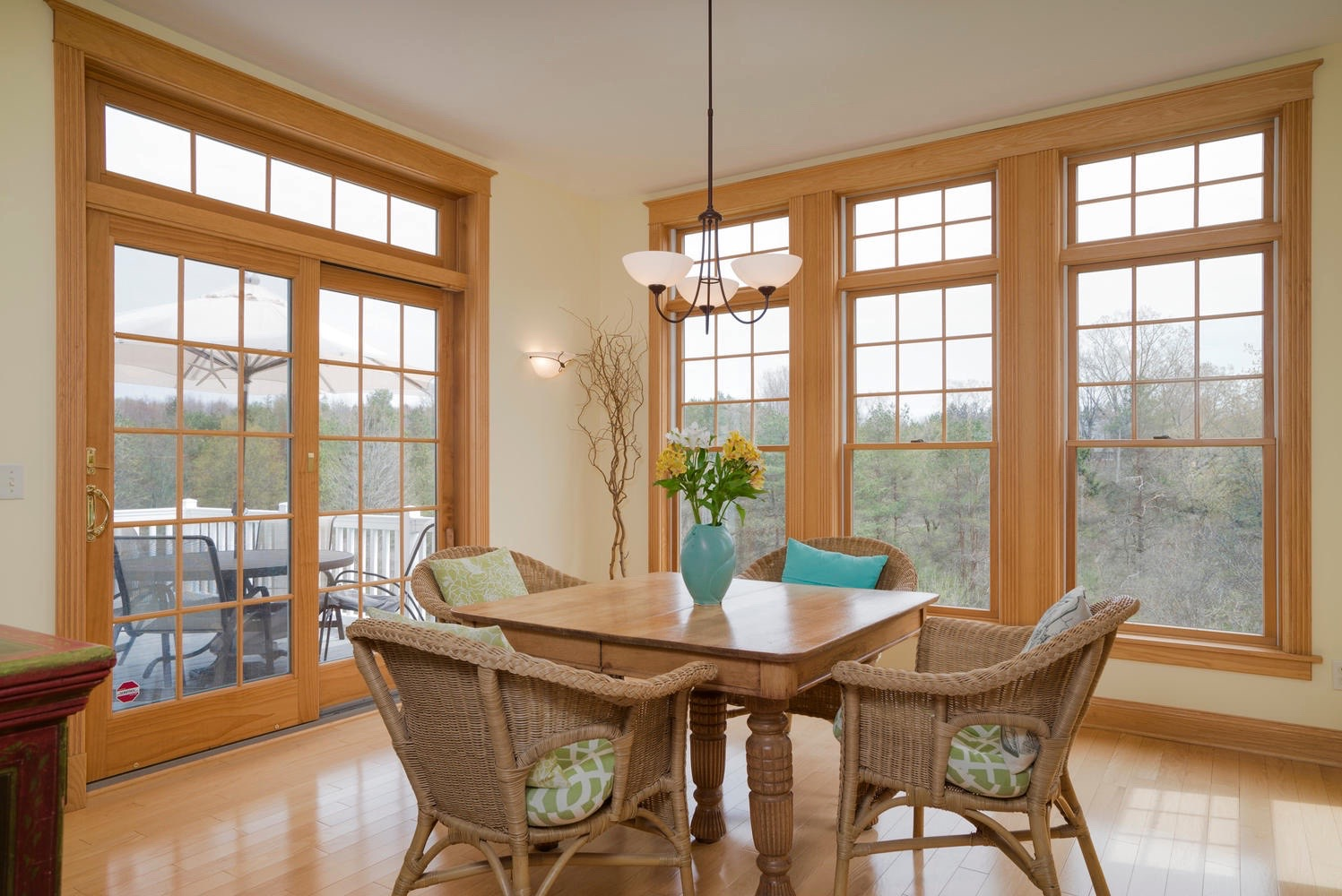 475 Porterville Rd East Aurora-large-007-20-Dining Room-1498x1000-72dpi