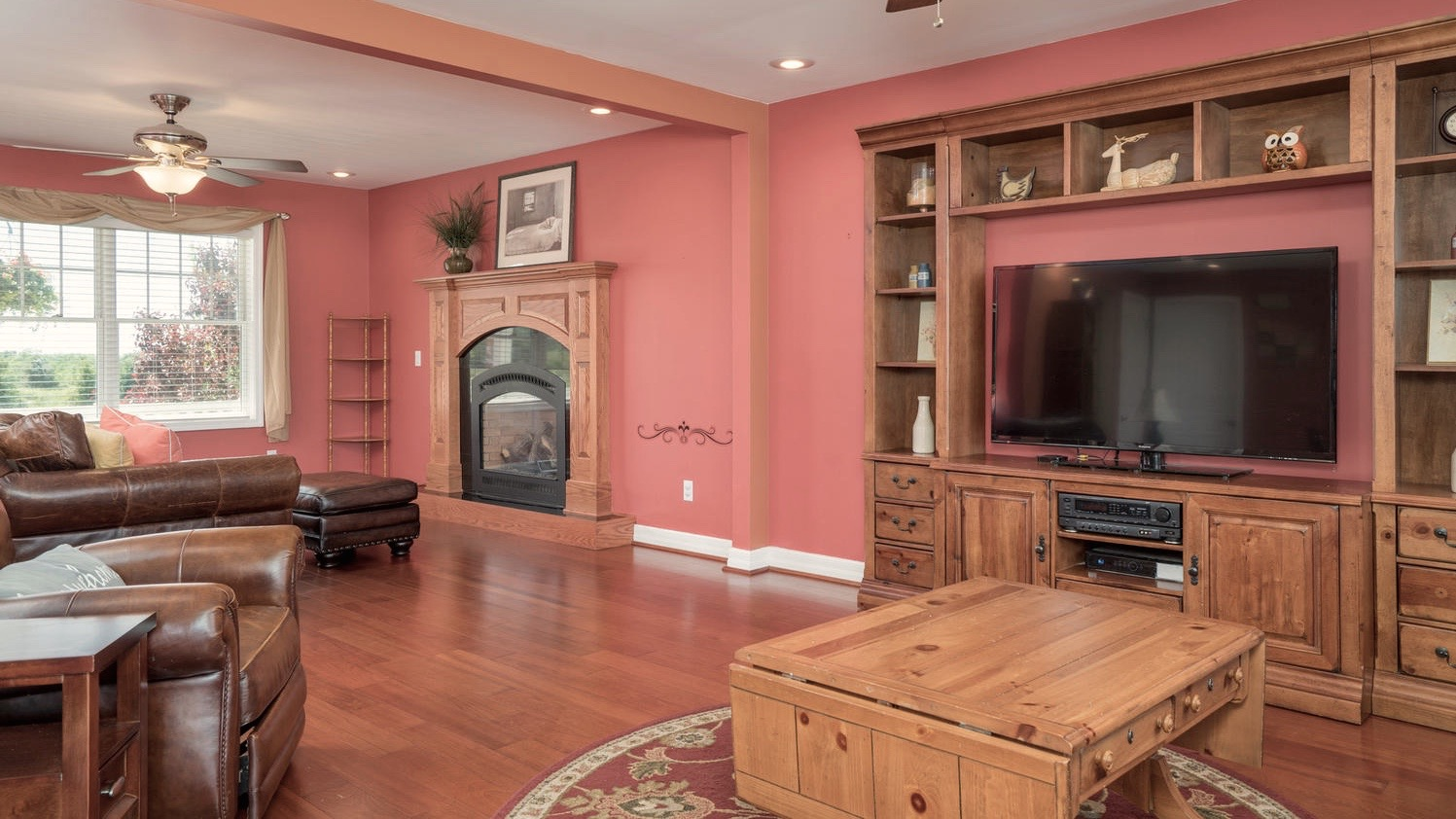 7289 Center St Holland NY-large-004-9-Living Room-1498x1000-72dpi
