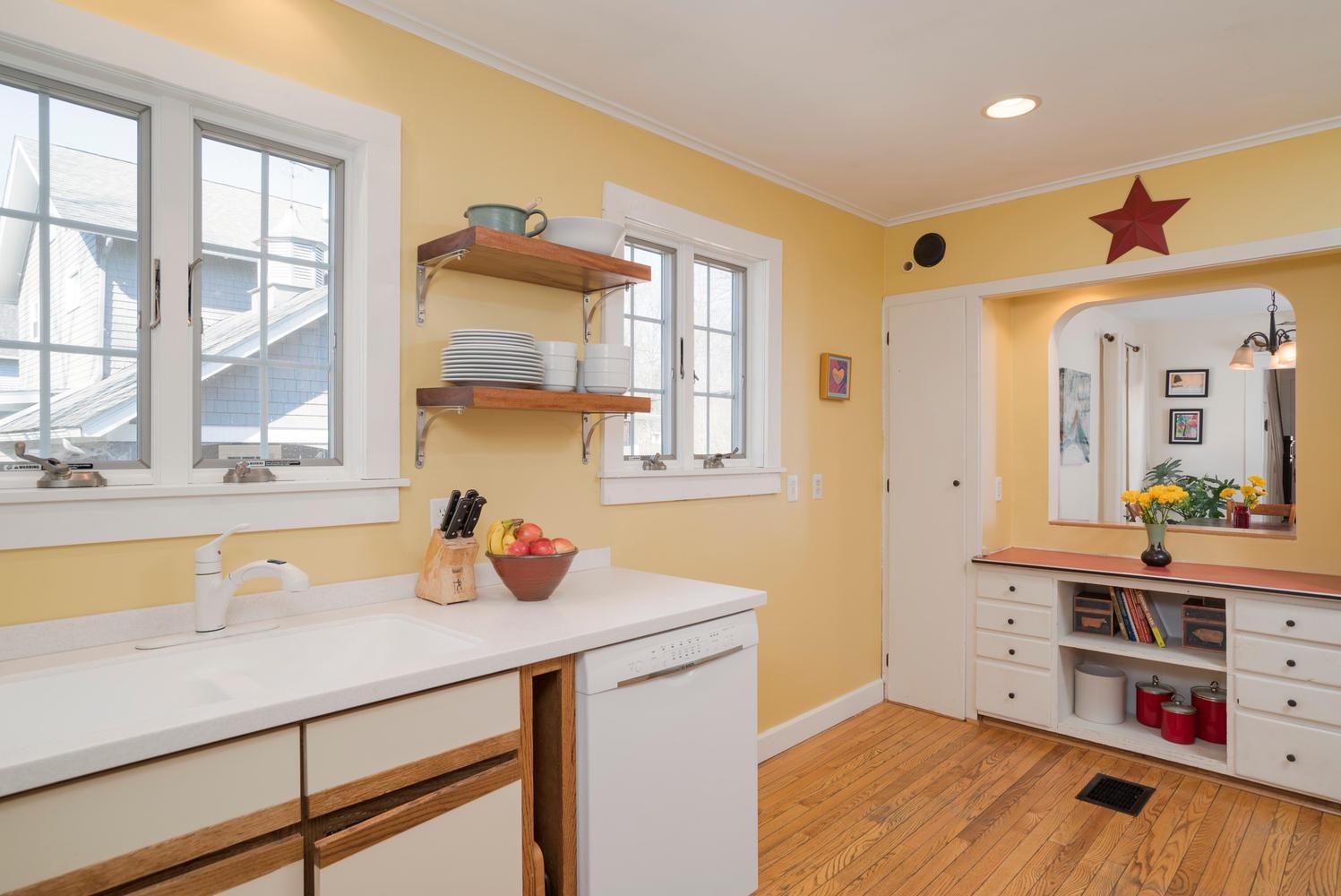 185 S Grove St East Aurora NY-large-011-12-Kitchen-1498x1000-72dpi
