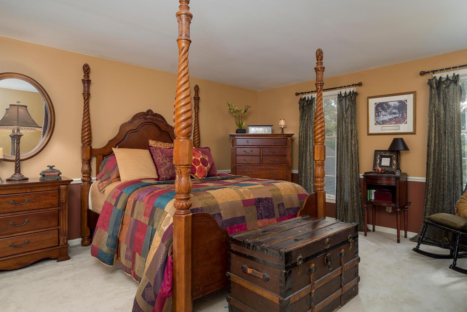 36 Timberlake Dr Orchard Park-large-014-3-Master Bedroom-1498x1000-72dpi