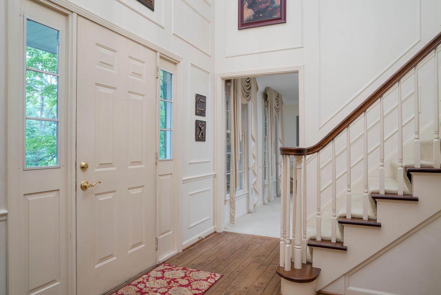 36 Timberlake Dr Orchard Park-large-003-4-Foyer-1498x1000-72dpi