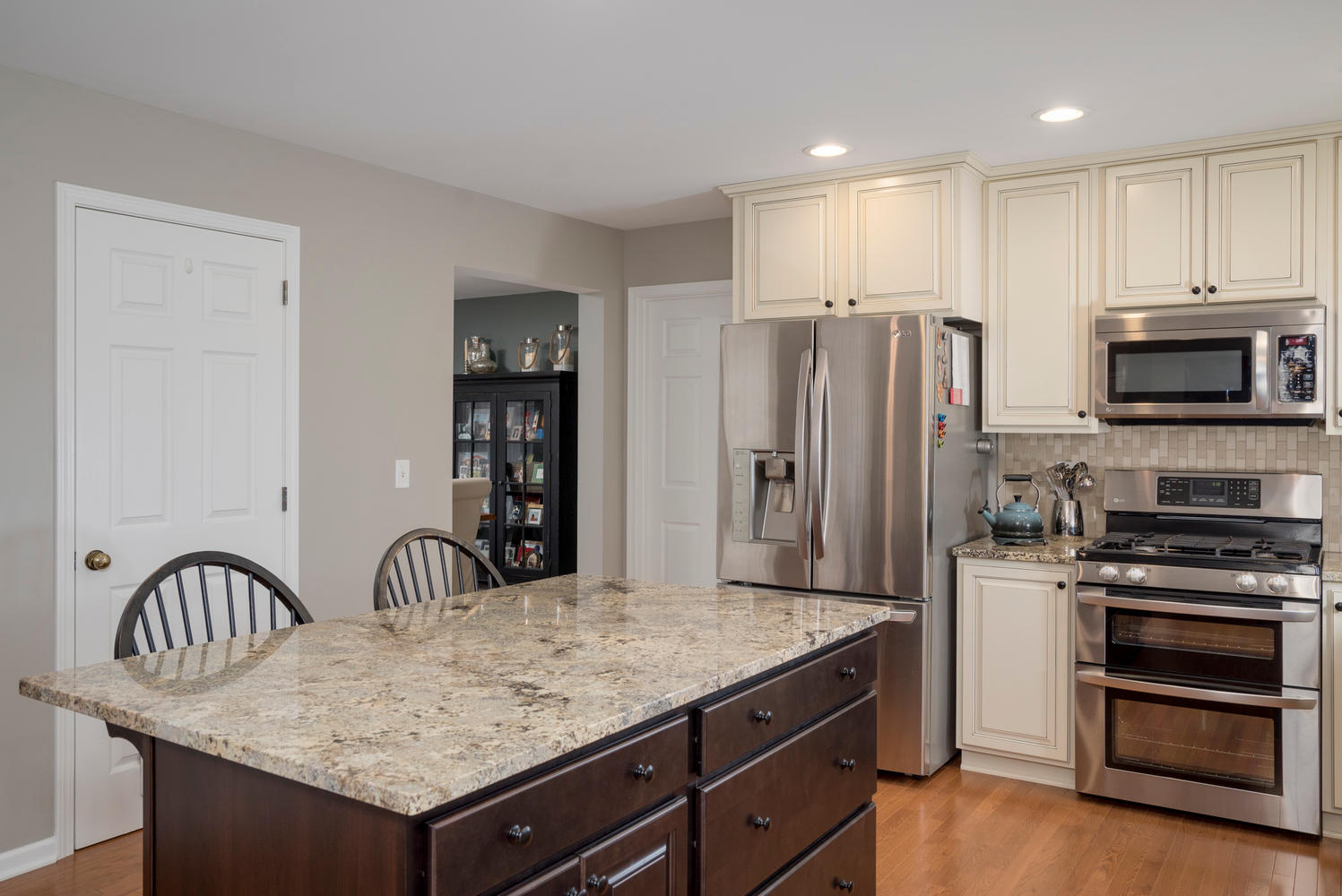 67 Avian Way Lancaster NY-large-007-18-Kitchen-1498x1000-72dpi