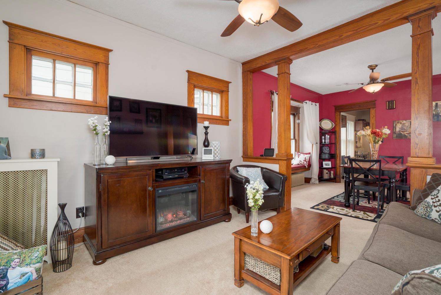 55 Benson Ave Buffalo NY 14224-large-004-17-Living Room-1498x1000-72dpi