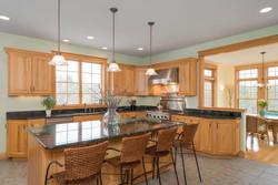 475 Porterville Rd East Aurora-large-009-24-Kitchen-1498x1000-72dpi