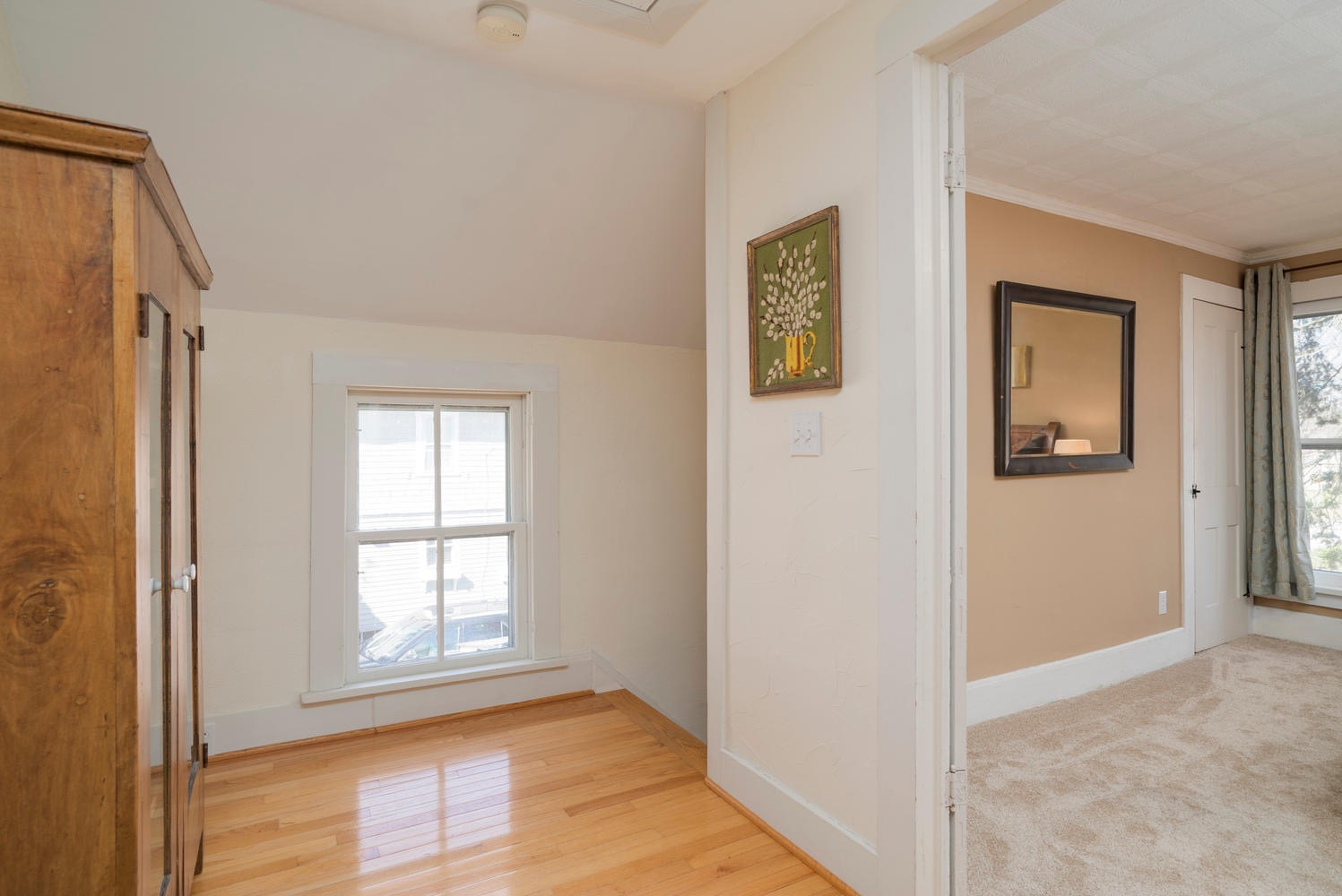 185 S Grove St East Aurora NY-large-013-5-Second Floor Landing-1498x1000-72dpi