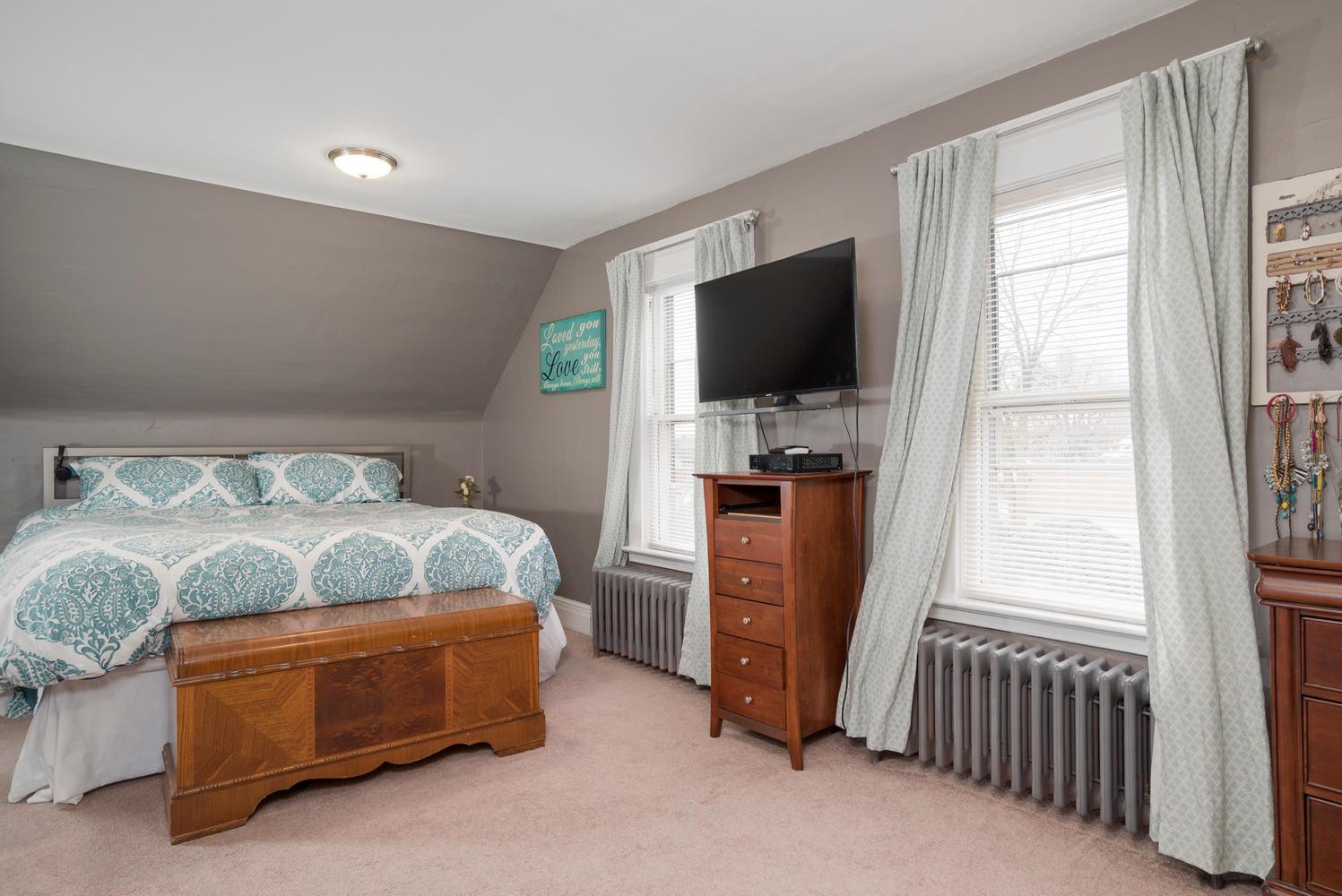 55 Benson Ave Buffalo NY 14224-large-012-8-Bedroom-1498x1000-72dpi