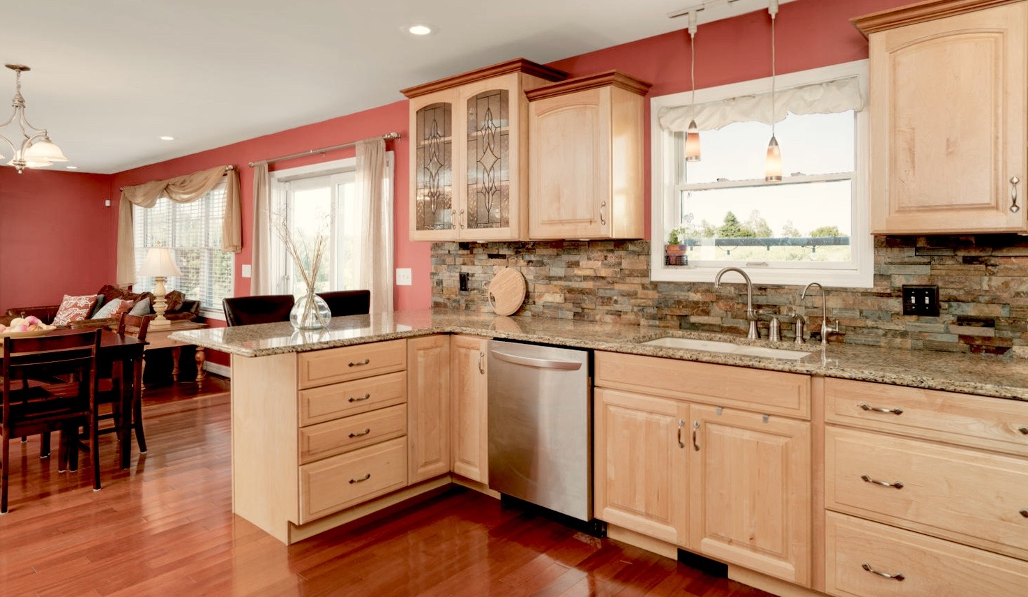 7289 Center St Holland NY-large-008-19-Kitchen-1498x1000-72dpi