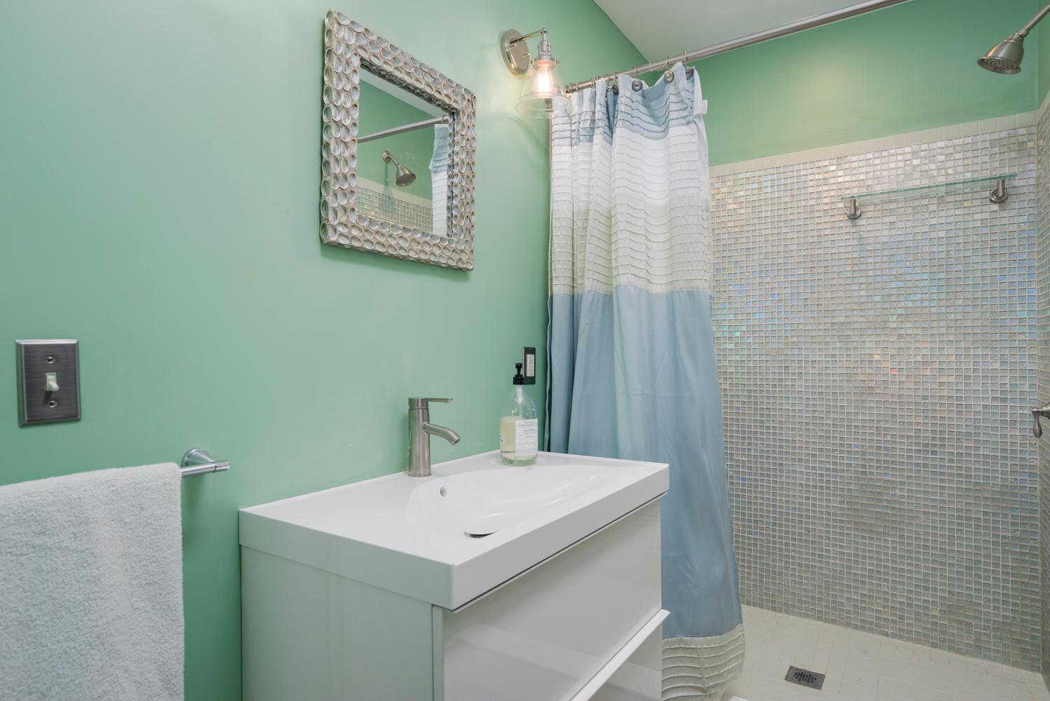94 Center St East Aurora NY-large-014-18-Bathroom-1498x1000-72dpi
