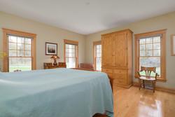 475 Porterville Rd East Aurora-large-011-7-Master Bedroom-1498x1000-72dpi