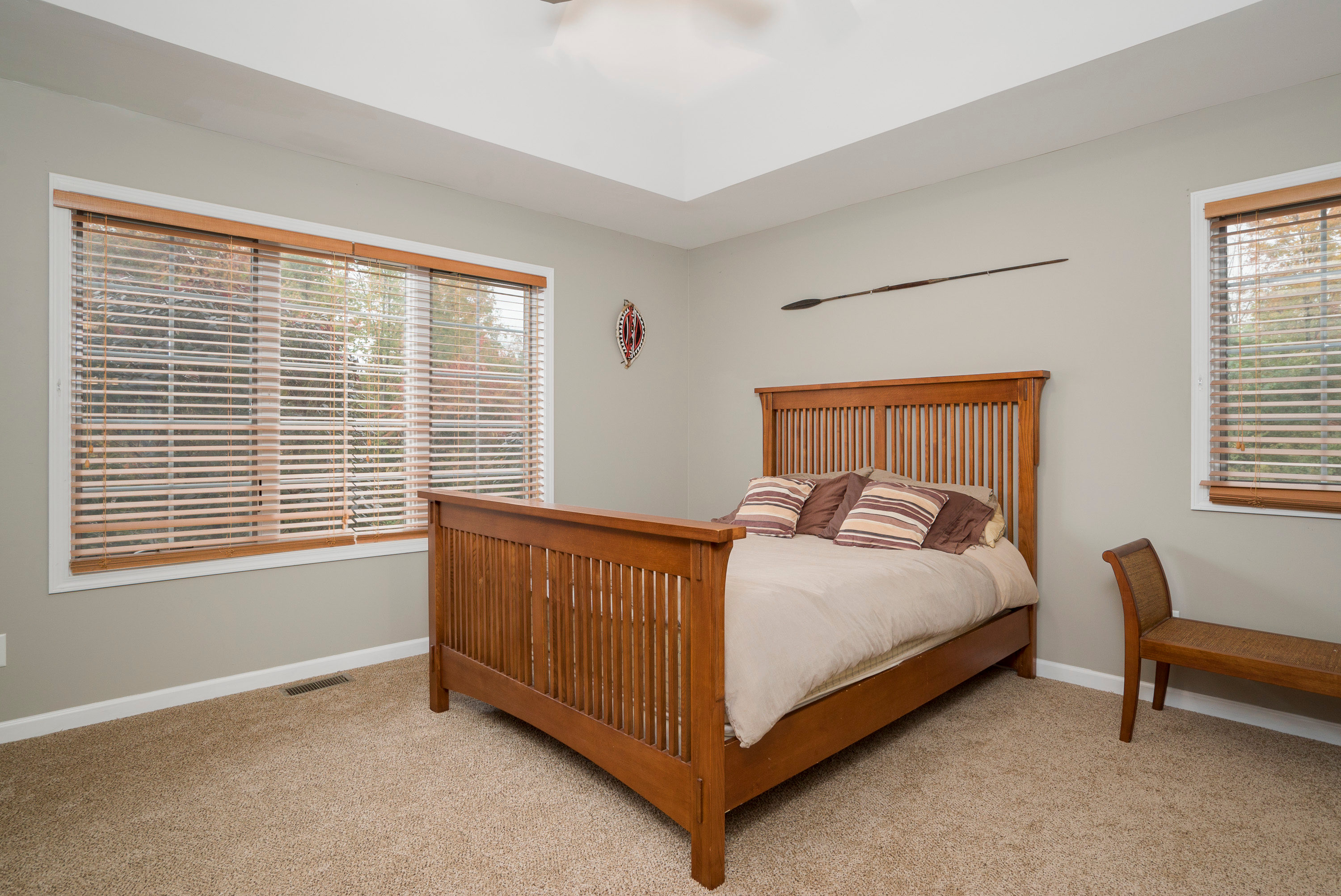 6142 Hillcroft Dr Boston NY-print-011-16-Master Bedroom-3000x2004-300dpi