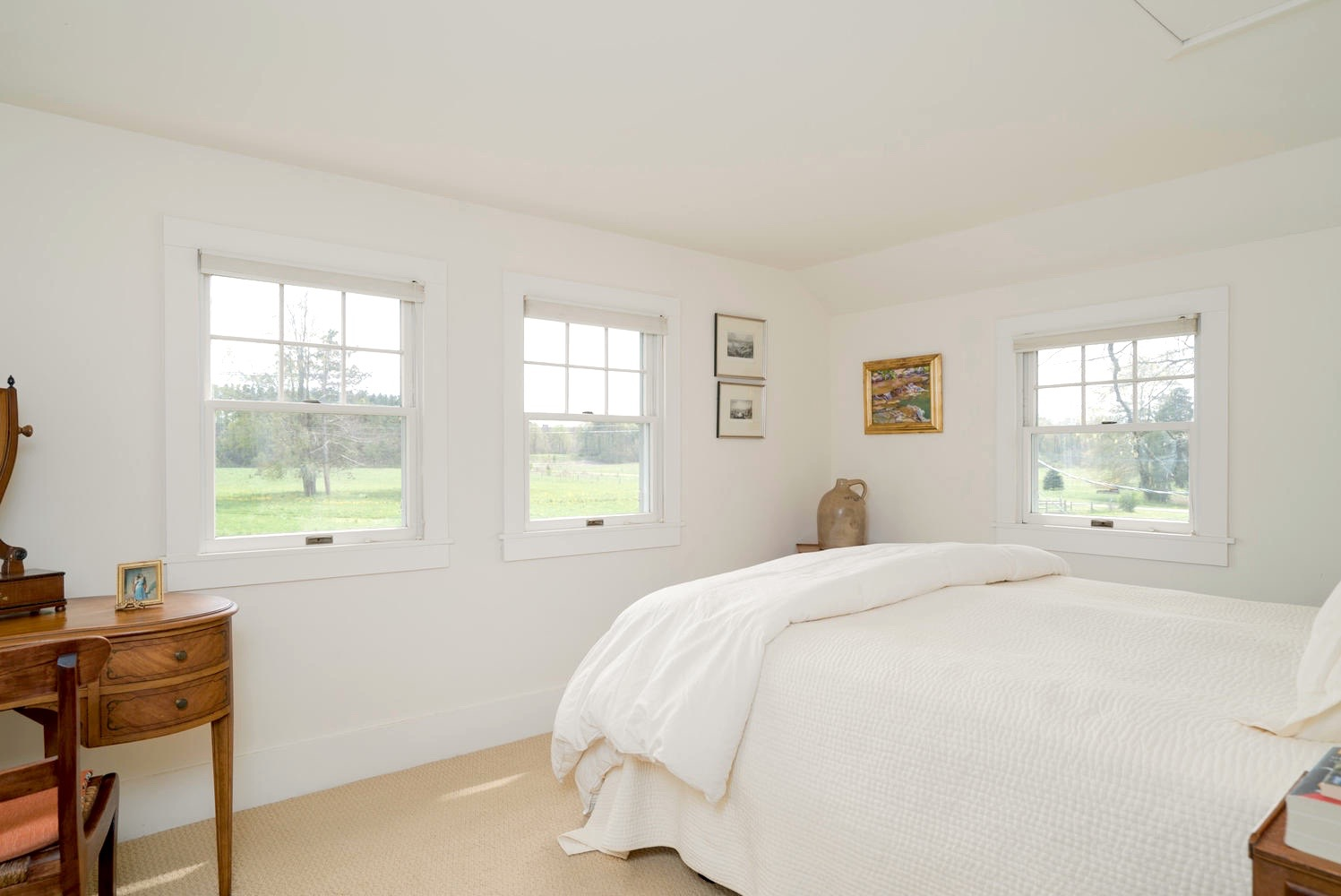 3011 W Blood Rd East Aurora NY-large-012-8-Master Bedroom-1498x1000-72dpi