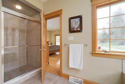 475 Porterville Rd East Aurora-large-013-11-Master Bath-1488x1000-72dpi