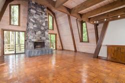 1000 Quaker Rd Orchard Park NY-large-004-14-Living Room-1498x1000-72dpi
