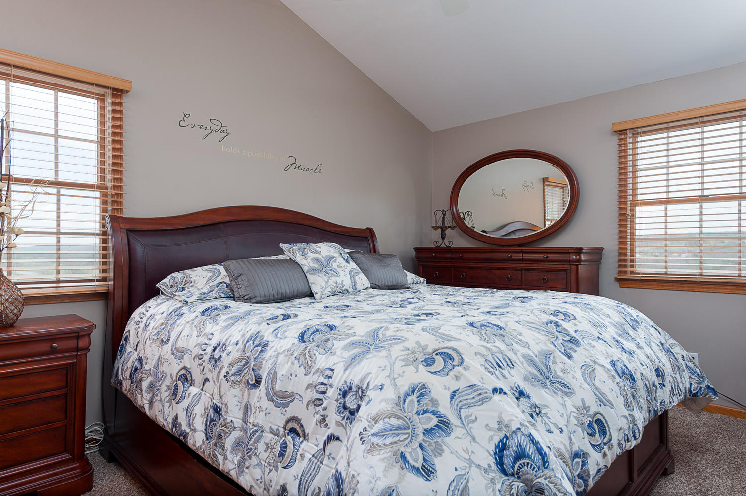 6738 East Creek South Wales NY-large-010-Master Bedroom-1500x999-72dpi