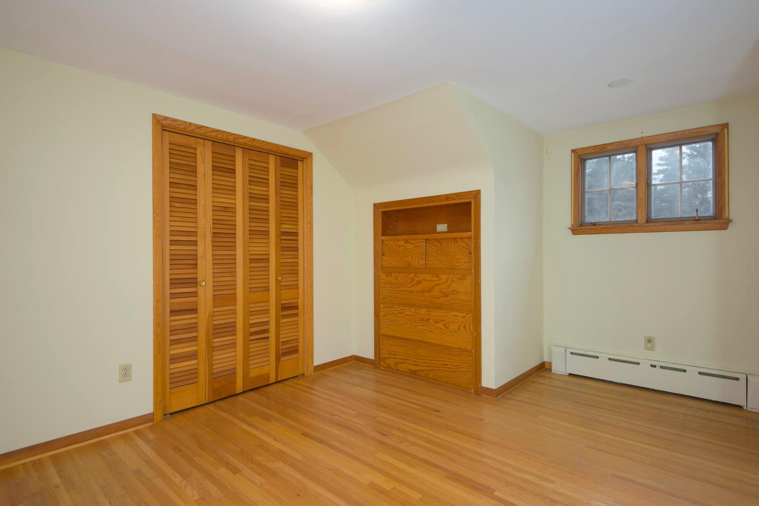 10 Hillcrest Rd East Aurora NY-large-013-Bedroom-1499x1000-72dpi