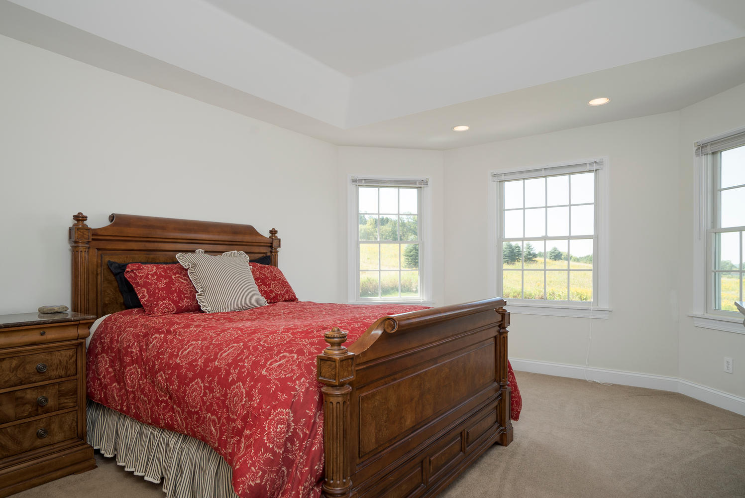241 Reiter Rd East Aurora NY-large-012-1-Master Bedroom-1498x1000-72dpi