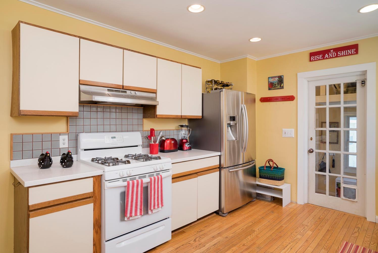 185 S Grove St East Aurora NY-large-010-16-Kitchen-1498x1000-72dpi