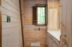 1000 Quaker Rd Orchard Park NY-large-017-8-Bathroom-1498x1000-72dpi