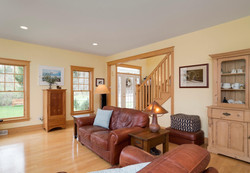 475 Porterville Rd East Aurora-large-006-21-Living Room-1498x1000-72dpi