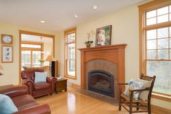 475 Porterville Rd East Aurora-large-005-14-Living Room-1498x1000-72dpi