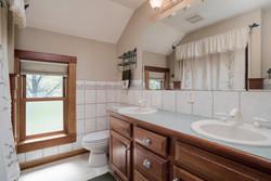 1051 Olean Rd East Aurora NY-large-016-7-Bathroom-1498x1000-72dpi